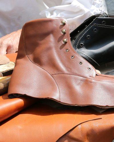 shoemaker-845231_1920
