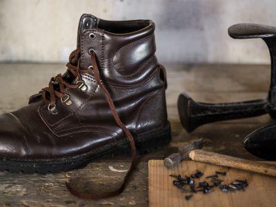shoemaking-3611509_1920